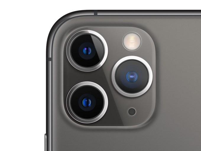 Aparat iPhone'a 11 Pro wywołuje u niektórych trypofobię
