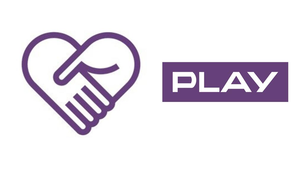 PLAY pomaga