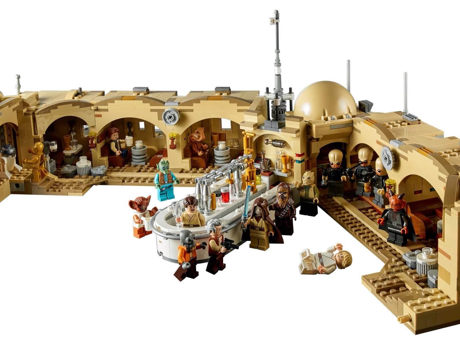 Kantyna Mos Eisley™ LEGO #75290 - w środku