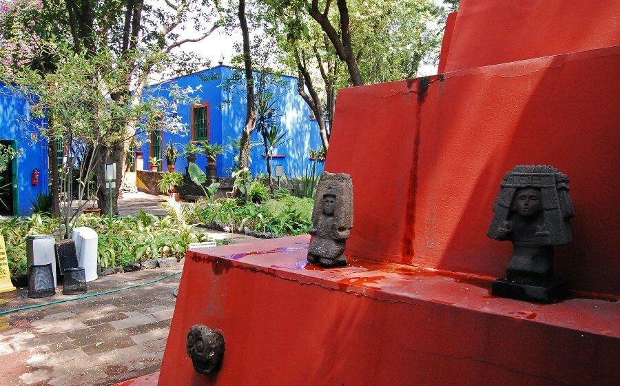 Museo Frida Kahlo – La Casa Azul (Błękitny Dom) - patio