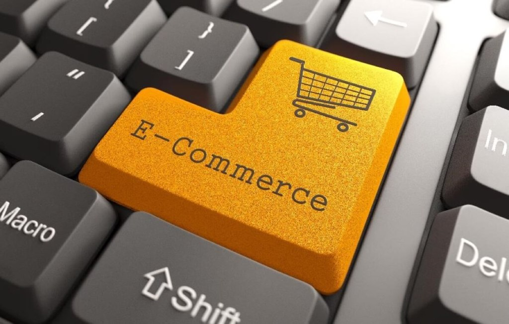 Przycisk e-commerce na klawiaturze