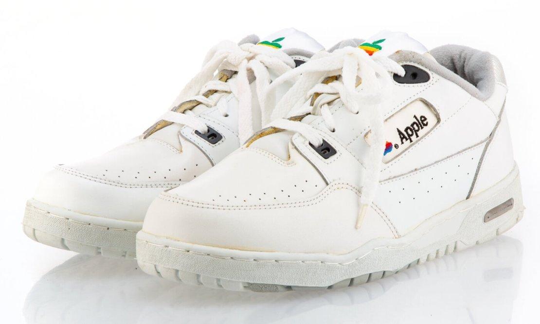 Apple Sneakersy (unikat)