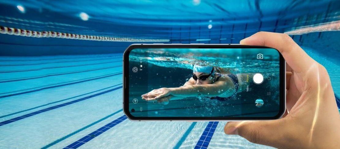 Smartfon BL6000 Pro w wodzie