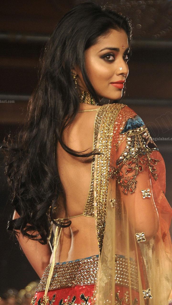 Beautiful Indian Girl Hd Wallpapers For Mobile Shriya Saran Mobile Wallpapers