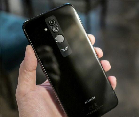 سعر و مواصفات Huawei Mate 20 Lite عيوب هواوي ميت 20 لايت