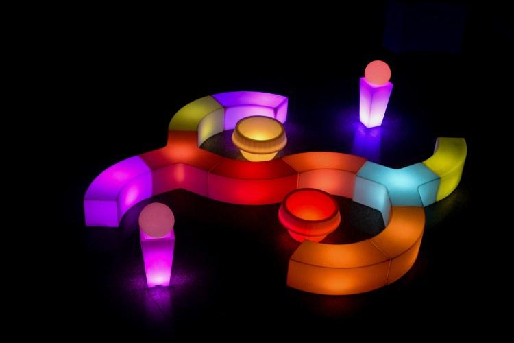 puff de led, aluguel de móveis de LED, festas e eventos, mesas e bares de LED