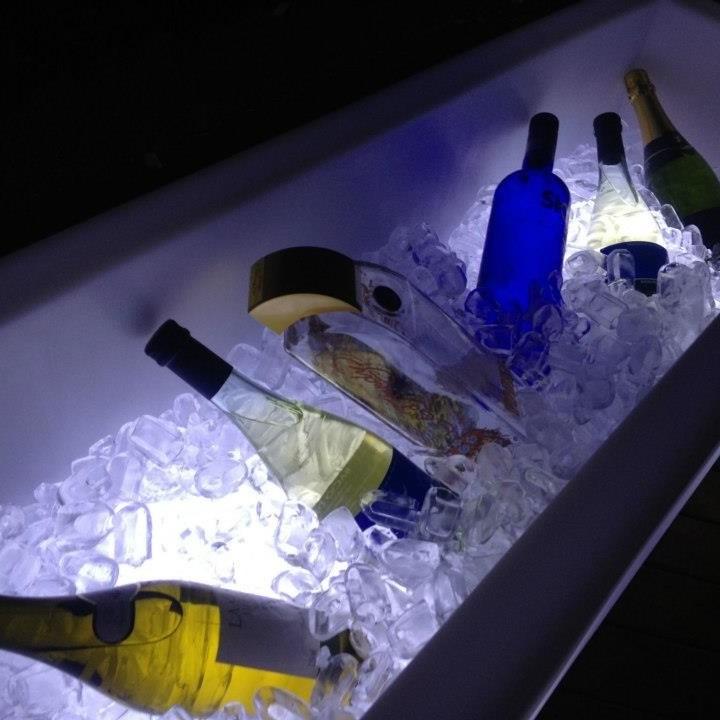 mini festa, Mini evento, puffs de led, decoração aniversário, móveis de LED para locação