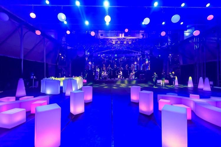 despedida , solteiro , solteira , decoração , LED , iluminado, iluminação , luz , puff , puf , puffs , pufe , bar , bares, balcão , atendimento , DJ , banda , espaço , balada , comemoração , confraternização , réveillon , campo , gramado , área , cobertura , rooftop , praia , cobertura , after party , casa noturna , night club , fiesta , externa , arquitetura , wedding , design , decor , cultura , ledbar , inovação , pista , robô , robo , drink , bebidas , bartender , cabine fotográfica , cerimonial , produtor , produtora , agência , diferencial , diferente , furniture , instagram , cerimonialista , áudio , visual , som , sonorização , fantástico , inusitado , Eventos , festa , formatura , casamento , corporativo , bodas , 15 anos , debutantes ; móveis , mobiliário , mobiliario , aluguel , locação , Neon , corporativos , festas , meia lua , mesa bistrô , mesa de centro , aniversário , debutantes , épico , épica , esferas , bolas , champanheiras , fotografia , fotografo , buffet , outdoor , indoor , lançamento , marketing , lounges , gay, lgbt , cores , colors , publicidade , mobled , LED , moveis , empresarial , empresa , RGB , tecnologia , arte , cultura , vestido , noiva, noivo , som , inusitado , surpreendente , revelador , revelação , lançamento , produto , inauguração , shopping , loja , comercial , barman , drinks , fotografia , arquitetura , events , eventos , celebração , idéias , criativas , criatividade , temas , organizar , organização , infantil , artigos , moderna , ar , livre , enfeites , fotos , foto , elegante , tradicional , inova , tipos , tipo , europeu , europa , kit , combo , pacote , completo , fechamento , entrega , projeto , checklist , case , cases , rural , fazenda , chácara , deck , externo , encantamento , encanto ,