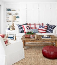 red-white-and-blue-pillows-living-room-decorating-idea ...