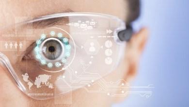 Photo of Akıllı Telefonlar Ölüyor, Duyuları Kontrol Eden Akıllı Gözlükler Mi Geliyor?