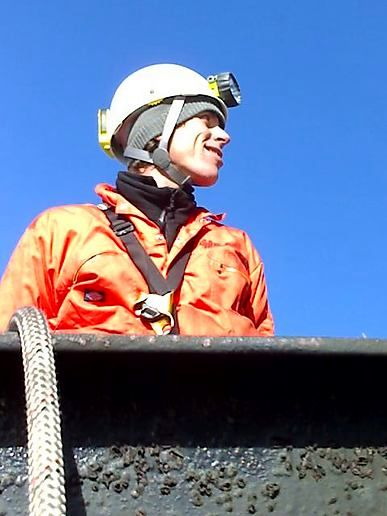 https://i0.wp.com/moblog.net/media/g/r/e/greenpeaceuk/greenpeace-climber-at-the-top-of-didcot-coal-fired-power-station.jpg