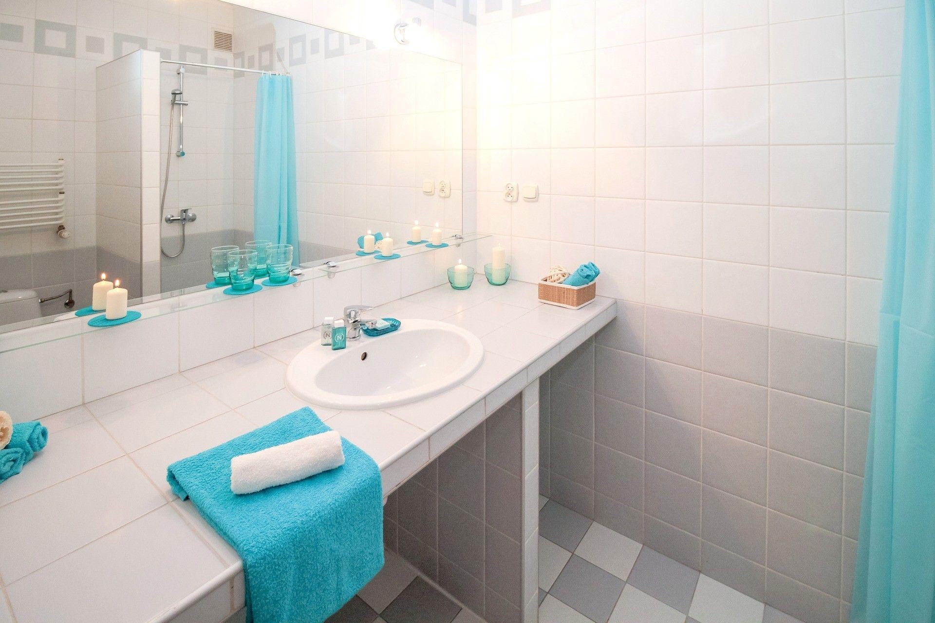 Ristrutturare Bagno Piccolo E Stretto : Ristrutturare bagno piccolo e stretto spazi ristretti idee per