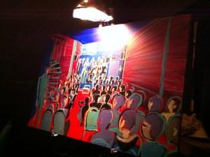 Oeuvre peinte live pendant la soirée, illustrant la scène