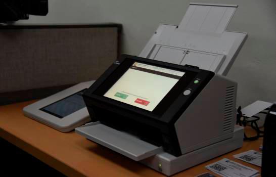 JCE y partidos acuerdan uso de escáneres para elecciones municipales de marzo