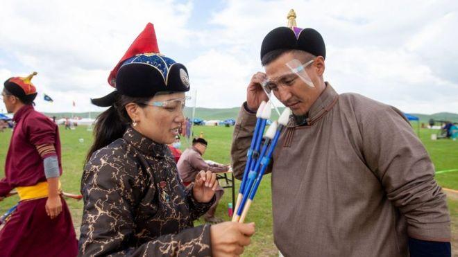 """""""El espíritu Genghis Khan"""": el extraordinario caso del país fronterizo con China con cero muertes por covid-19 y cero contagios locales"""