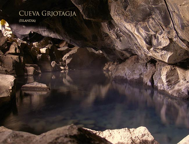 Grjotagja_cave viajar a Islandia