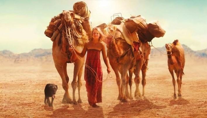 Tracks mujer mochilera aventurera