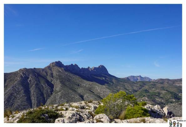 Las crestas de la Sierra de Bernia