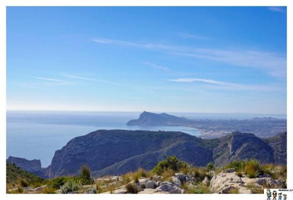 Monte Toix y al fondo Serra Gelada
