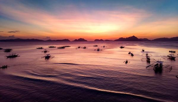 Los atardeceres en la playa de Corgong Corong en el Nido