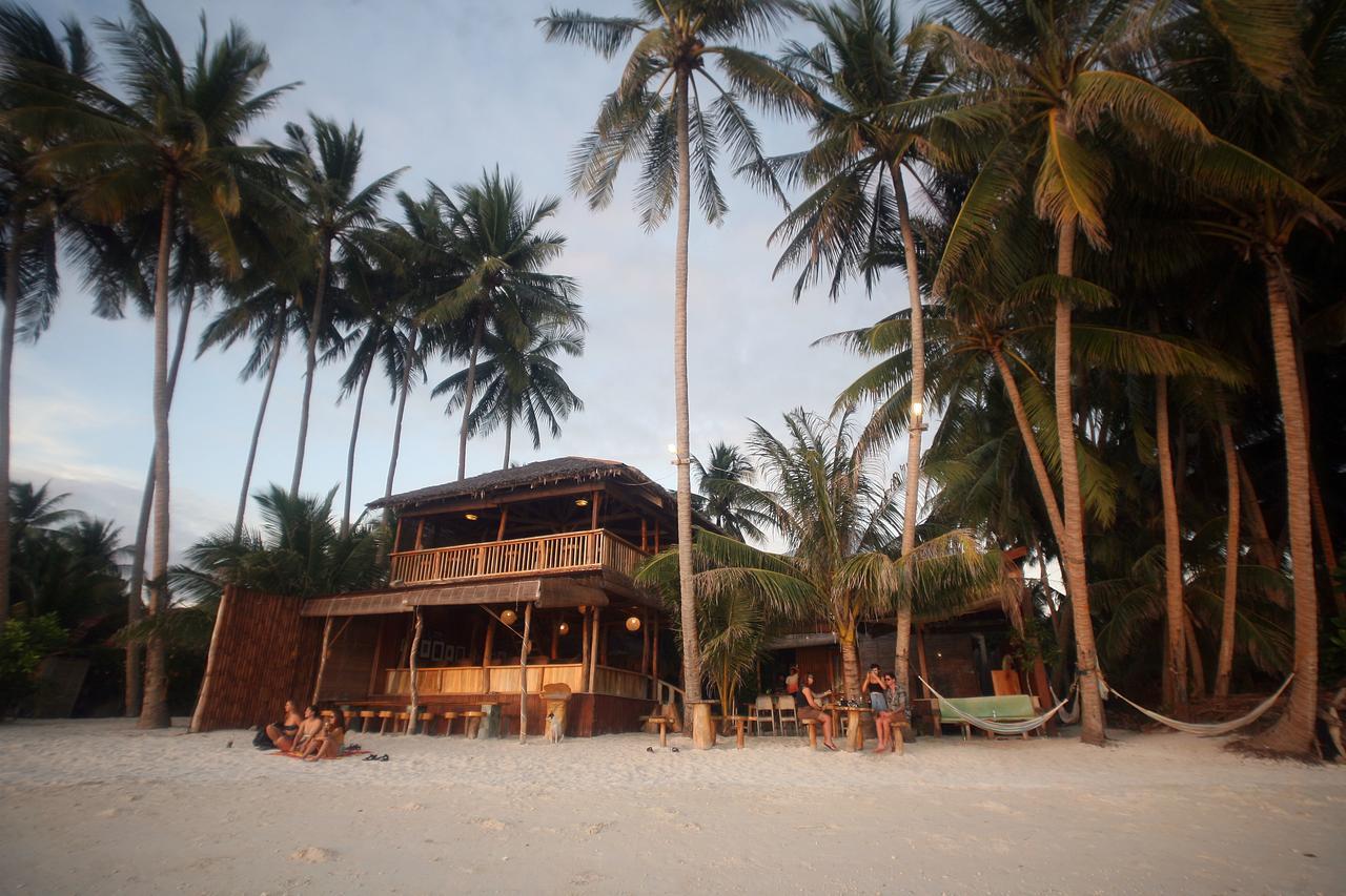 Alojamiento en Siquijor a pie de playa