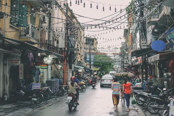 comer y dormir en Hanoi Barato