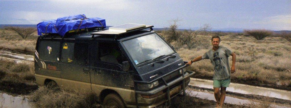 4x4 Desastre en Sibiloi, Kenia - Pablo Rey, La vuelta al mundo en 10 años