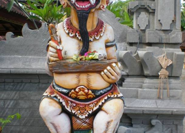 Earth-Wide-Walk-Indonesia-templo-Bali