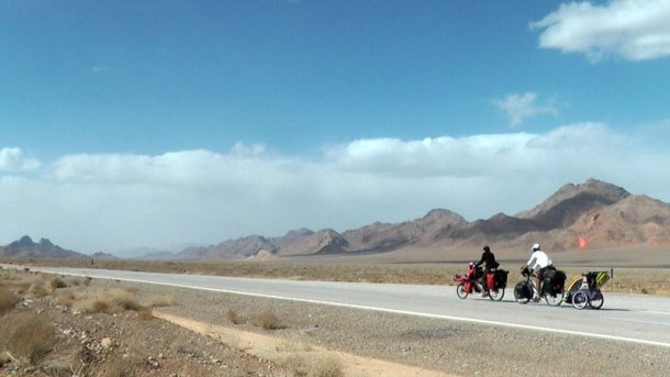 Mundubicyclette-vuelta-mundo-bicicleta-Iran