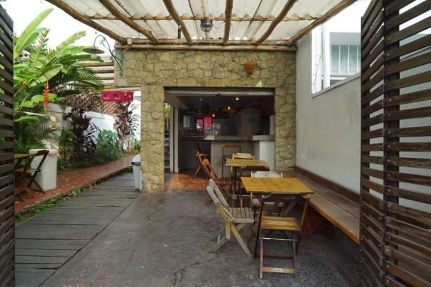 O-de-Casa-Hostel-Sao-Paulo-terraza-bar