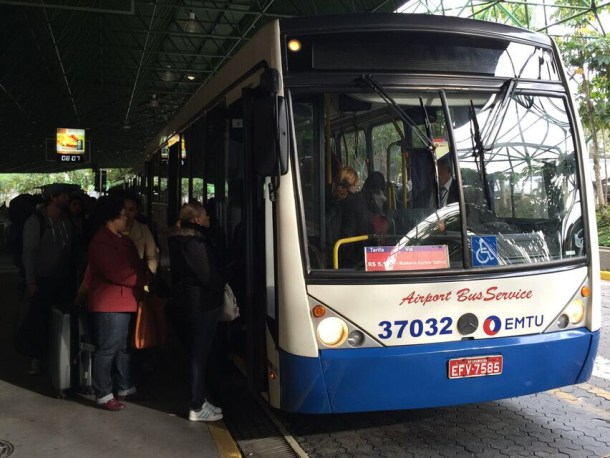 Bus público del aeropuerto de Sao Paulo