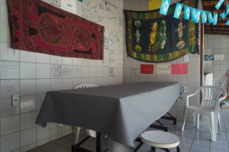 Tijuana-Hostel-Sao-Luis-mesa-desayuno