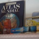 Casa-Do-Professor-detalle-estanteria-libros-viaje