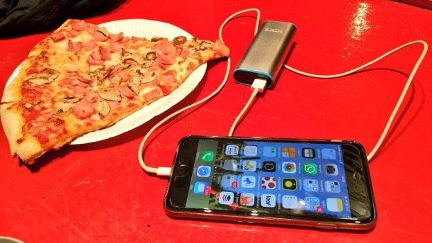 batería-externa-powerbank-lumsing-mochilerostv-pizza
