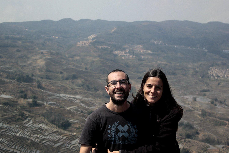 Alberto y Sonia, mochileros del blog vistetequenosvamos.com, expertos en cómo preparar un gran viaje