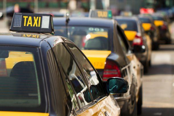 como llegar del aeropuerto al centro de Barcelona en taxi