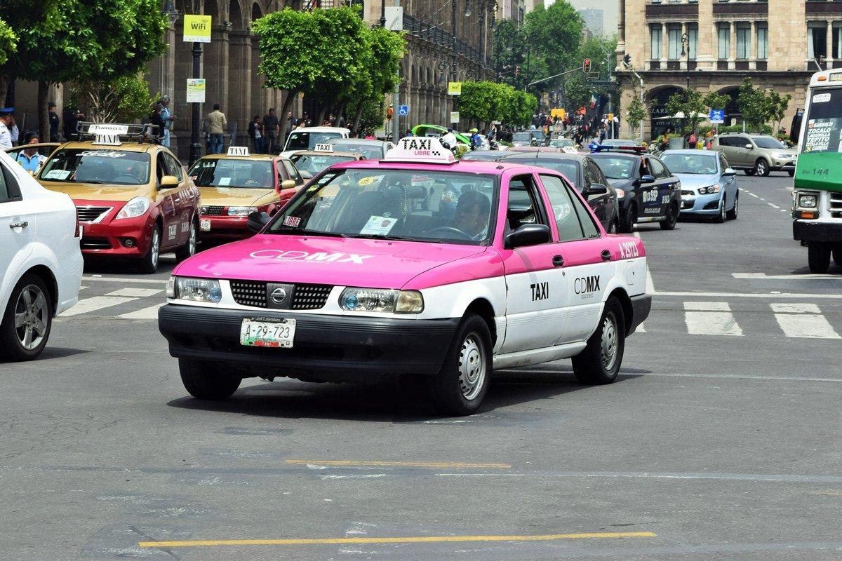 cómo llegar del aeropuerto de Ciudad de México al centro en taxi
