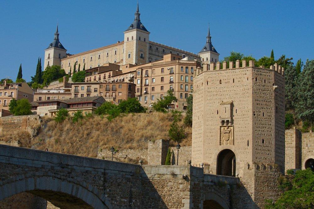 Que ver en Toledo: Puente de Alcántara y el Alcázar