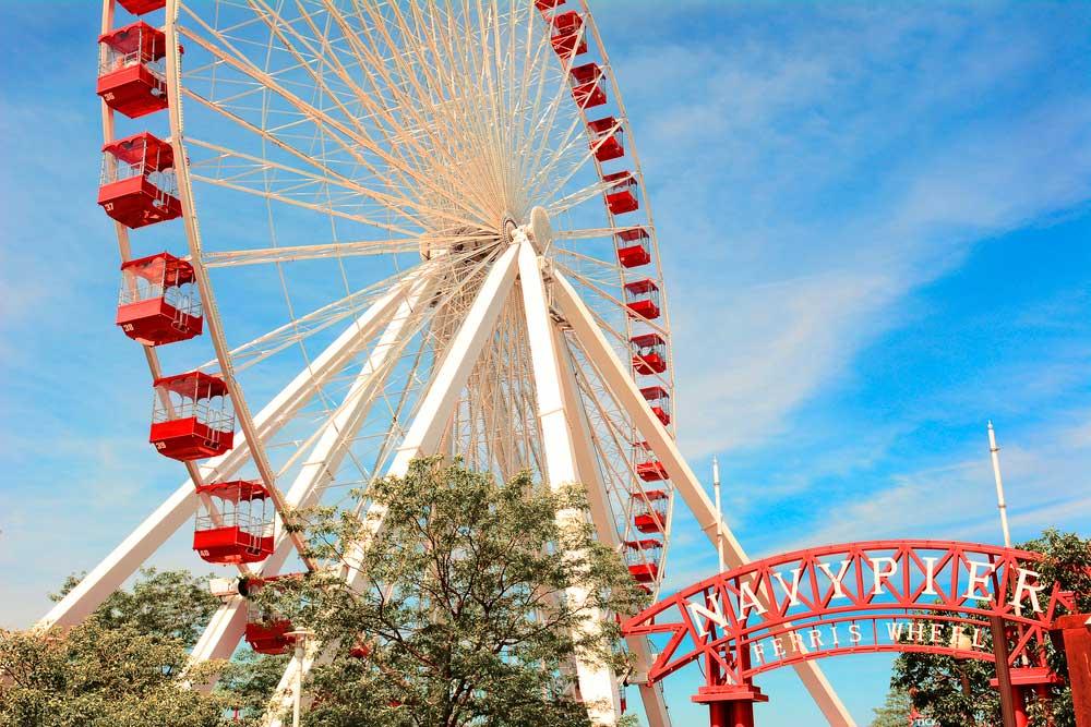 Visita el puerto de Chicago, conocido como Navy Pier Centennial y sube a su espectacular noria