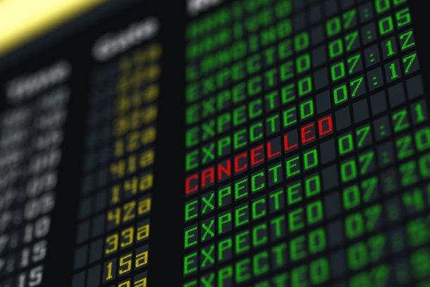 cancelación vuelo aeropuerto
