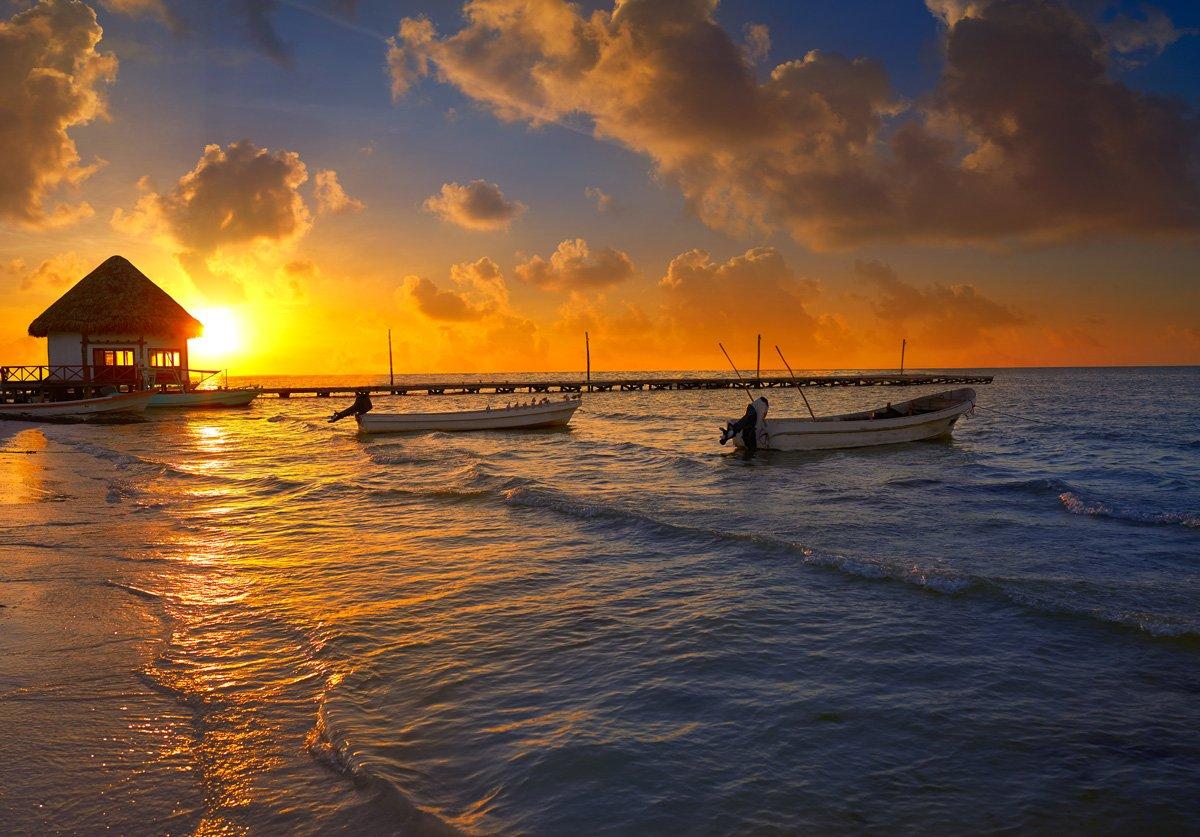 Atardecer en Holbox, una de las mejores excursiones en Riviera Maya