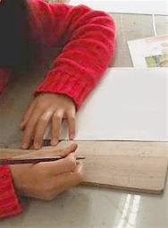 鎌倉こども絵画教室giardino 受講者作品(小学生)干支の羽子板制作 / 撮影 望月麻里
