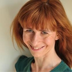 Magdalena Bek => Lekka Zmiana Mamy - media społecznościowe, relacje z klientem, macierzyństwo
