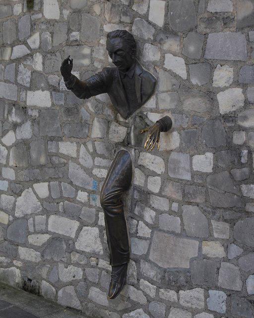 những bức tượng hậu môn nhiều nhất thế giới