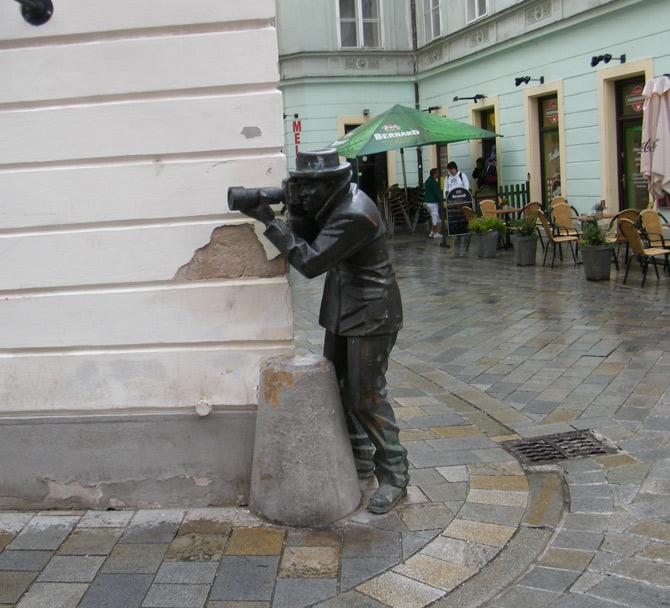 những bức tượng bất thường nhất thế giới