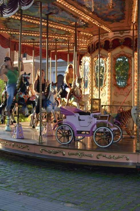 Rome_carousel