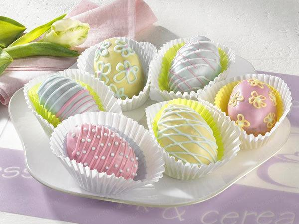 decorative ideas  pink yellow easter eggs