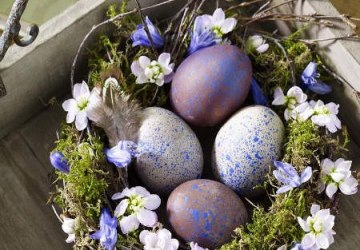 decorative ideas for purple easter eggs