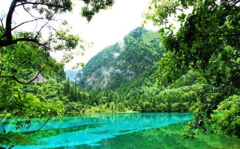 valley Jiuzhaigou -Valley of Nine Villages- is a spectacular national park-Sierra Min Shan, China 3