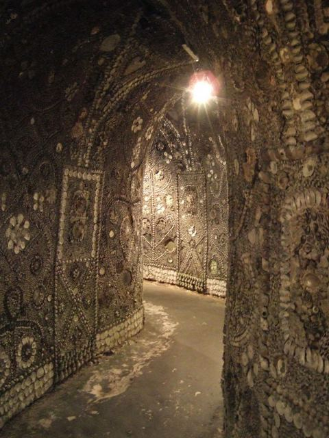 The misterious Margate Shell Grotto  2